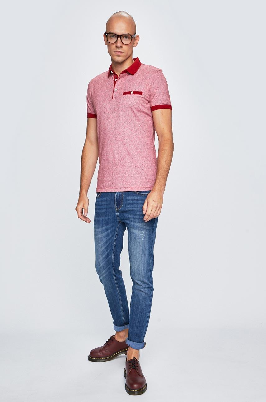 color Roja