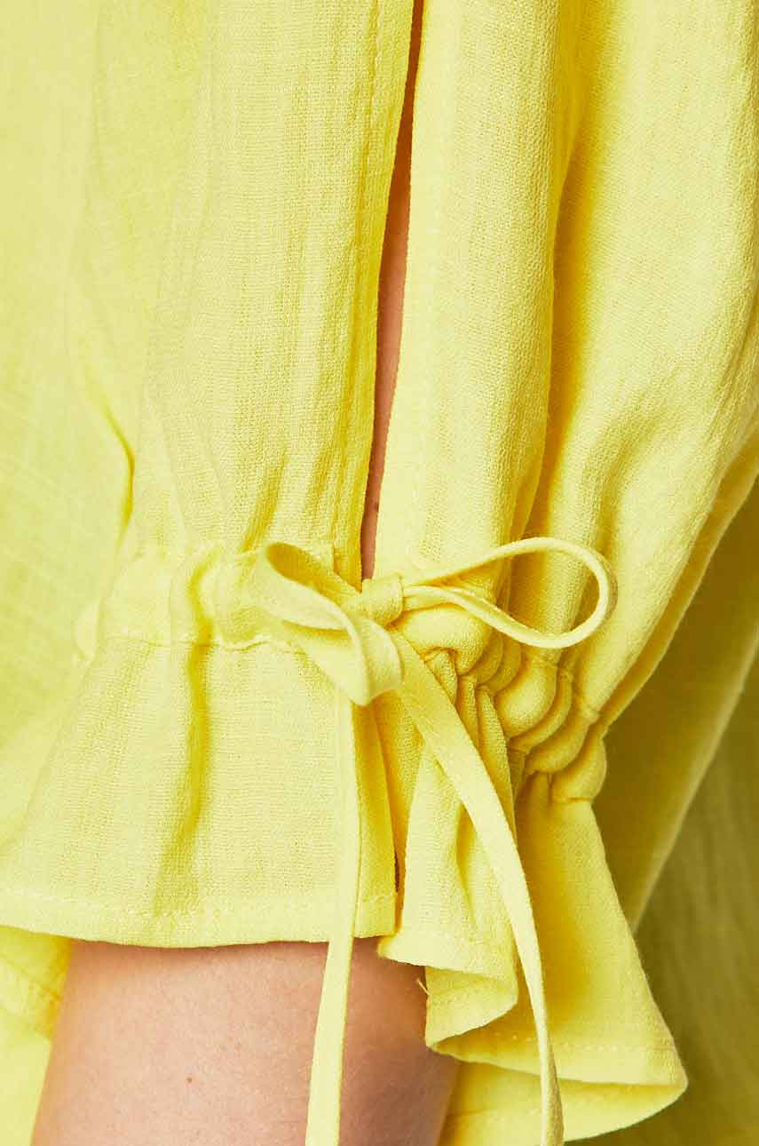 color Amarilla
